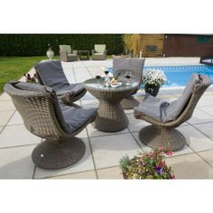 Life Keira 4 Seater Bistro Dining Set with Cushion - GardenFurnitureWorld