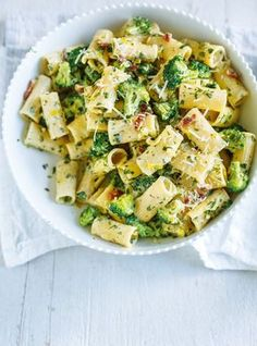 Carbonara with broccoli - # - Diet Plan & Diet Recipes Veggie Recipes, Pasta Recipes, Vegetarian Recipes, Chicken Recipes, Cooking Recipes, Broccoli Recipes, Pasta Dishes, Healthy Dinner Recipes, Food Inspiration