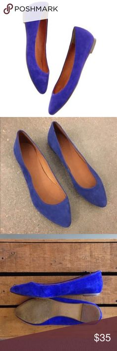 """Madewell Blue Suede Flats Size 8 Like New Madewell Sidewalk Skimmer Flats in Suede Crystal Blue a size 8. A true gem. You can wear this sharply shaped flat for miles and miles - and never get sick of its Parisian girl charm. Suede upper. 1/4"""" rubber heel. Leather lining. Man-made sole. Only worn several times - no stains on suede and minor wear on soles. Madewell Shoes Flats & Loafers"""