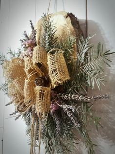 Christmas decoration, hanging decoration, fir needles, burlop wreath, wooden basic, natur decor, country decor