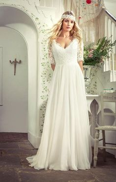 New Arrival Plus Size Wedding Dresses With Half Sleeves V Neckline A Line Lace Bridal Gowns Floor Length Chiffon Wedding Dress