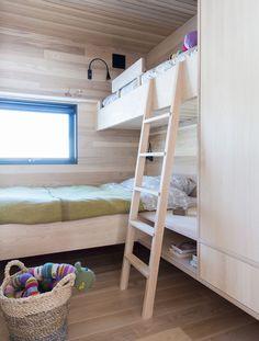 Cabin Homes, Cottage Homes, Log Homes, Scandinavian Cottage, Chalet Design, Kids Bunk Beds, Saunas, Girl Rooms, Cottage