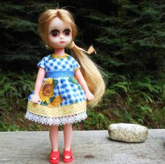 Sunflowers on Blue Gingham Dress for Susie Sad Eyes. Note: This Susie rerooted by me using humah hair! SSmartRaggs, $20.00