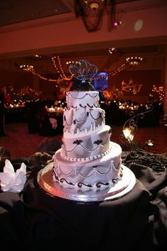 halloween wedding cakes | Halloween wedding cake