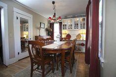 KLAMATH County  LAGUNA St, -dining room