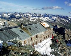 Erzherzog Johann Hütte (Adlersruhe) 3.454 m Mount Everest, Beautiful Places, Mountains, World, Nature, Travel, Outdoor, Outdoors, Naturaleza