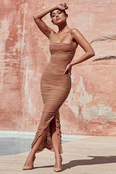 Elba Chiffon Maxi Dress – Epic Outfits Source by bukekamanyathela coctel Maxi Dress With Slit, Chiffon Maxi Dress, Bodycon Dress, Nude Dress, Dress Long, Easy Dress, Ruched Dress, Side Slit Dress, Short Beach Dresses
