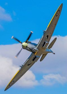 Vintage Aircraft – The Major Attractions Of Air Festivals - Popular Vintage Aircraft Propeller, Ww2 Aircraft, Fighter Aircraft, Military Aircraft, Fighter Jets, Spitfire Supermarine, The Spitfires, Flying Boat, Ww2 Planes