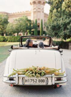 Elegant Barcelona Destination Castle Wedding - Real Weddings - Once Wed Vintage Glam, Vintage Cars, Bodas Boho Chic, Just Married Sign, Bridal Car, Wedding Car Decorations, Table Decorations, Wedding Transportation, Tuscan Wedding