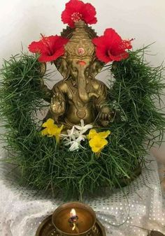 About Clothing Trends Thali Decoration Ideas, Decoration For Ganpati, Indian Decoration, Ganesha Rangoli, Ganesha Art, Diwali Decorations At Home, Festival Decorations, Ganesh Pooja, Shri Ganesh
