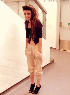 even though i would never dress like that .. i LOVE her style !!
