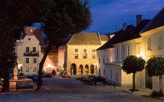 Altstadt-krems-UNESCO World Heritage-Krems-an-der-donau-niederoesterreich landmarks
