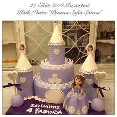 """27 Ekim 2014 Katlı Pasta """"Prenses Sofia Şatosu"""" info@burcinbirdane.com #cakeclass #sekerhamurukursu #burcinbirdane #burcinbirdaneegitim #prensessofia #sofiacake #princesssofia #katlıpasta #sugarart #castlecake"""