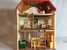 Calico critters/sylvanian families Cedar Terrace/Oakwood House & Furniture