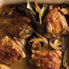 Baked chicken with mushroom and white wine - used a whole onion instead of the garlic and added some salt and pepper. Served it over dill-seasoned roasted cauliflower. Baked Chicken And Mushrooms, Mushroom Chicken, Baked Chicken Recipes, Stuffed Mushrooms, Wine Recipes, Cooking Recipes, Healthy Recipes, Delicious Recipes, Healthy Food