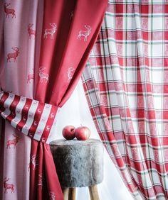 Rromantische Hirschmotive und Karodesigns in traditionellen Farben. #alpentradition #landhaus #hirsch #countrychic #5500Chic #Vorhang #Gardine #SONNHAUS