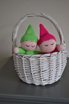 babyslofjes, breien, kraamcadeau, stichting robin hood, zwanger, slofjes, kindje op komst, baby online, kraamkado, speelgoed bal, samen bevallen,