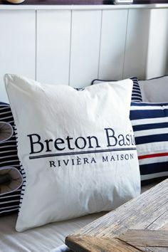 Breton Basic Belt Pillow 60x60 €49,95