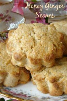 Anytime of the day you have a good excuse to eat and enjoy these yummy Honey Ginger Scones. These scones have a wonderful honey and ginger flavor that is serve How To Make Scones, Muffins, Biscuits, Savory Scones, What To Cook, Sweet Bread, Baked Goods, The Best, Cooking Recipes