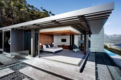 Home Design, SAOTA Nettleton Beautifully Modern Home in Clifton, South Africa: Nettleton 198 Open Air Bedroom With A Retractable Glass Perimeter Modern Patio Design, Modern Porch, Contemporary Patio, Villa Am Meer, House Architecture Styles, Dream House Exterior, Patio Roof, Prefab Homes, Diy Pergola