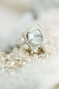 sparkly vintage diamond solitaire engagement rings