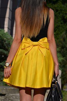 street snap :yellow bow