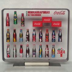 Expositor Coca-Cola Mini Garrafinhas Copa do Mundo da Fifa Brasil 2014 .