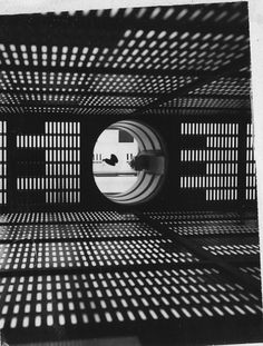 Inside the set of the HAL 9000 supercomputer. A Space Odyssey Stanley Kubrick, Science Fiction, Photo D'architecture, 2001 A Space Odyssey, Interstellar, Light And Shadow, White Photography, Artistic Photography, Cinematography