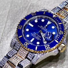 Custom diamonds in this submariner. Like if you like some bling  Courtesy of @excellencebydanny  #thewatchkings #watchkings #dailywatch #watches #rolex #hublot #audemarspiguet #patekphilippe #ulyssenardin #richardmille #breitling #panerai #iwc #omega #tourbillon #watchesofinstagram #watchaddict by thewatchkings