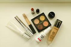 Em vídeo, mostramos o passo a passo de um makeup clássico para destacar os olhos com Rafaela Tomasi e a profissional Reijane Alves. Play para se inspirar!