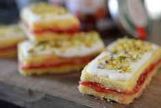 Bringebær kaker_13 Scandinavian Food, Cookie Jars, Cheesecake, Cookies, Baking, Desserts, Foods, Biscuits, Bread Making