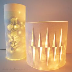 Ohoh Blog - diy and crafts: Lantern with Christmas lights made with a 2 liter bottle, paper, and LED lights.