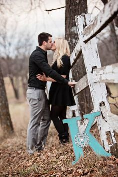 Country Engagement Photos Fall engagement photo poses and pictures Engagement Photo Poses, Engagement Couple, Engagement Shoots, Engagement Photography, Couple Photography, Wedding Photography, Fall Engagment Photos, Family Engagement Pictures, Wedding Engagement