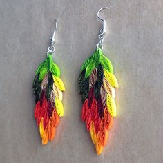 Quilled Earrings......green tops  with all red below would make pepper ristra earrings!  : )