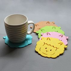 Lovely sheep design wool felt coaster to decorate your table. Various colors wool felt coaster to protect the table surface.