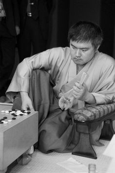 Yoda Norimoto just after winning his first game in the Kisei Match against Cho Chikun. Amsterdam, 2000.