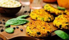 Ha szeretnél minél sokszínűbben étkezni, segíthet a változatos köret választás, vagy akár a húsmentes receptek beillesztése az étrendedbe. A köles kiváló alapanyag ehhez! Megmutatjuk miért! Salmon Burgers, Muffin, Eggs, Breakfast, Ethnic Recipes, Bridge, Morning Coffee, Muffins, Egg