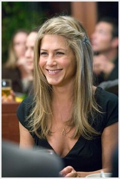 53 new ideas for hair bangs style jennifer aniston Jennifer Aniston Haar, Jeniffer Aniston, Jennifer Aniston Pictures, Jennifer Aniston Hairstyles, Jennifer Aniston Makeup, Growing Out Bangs, Scene Hair, Great Hair, Hair Day