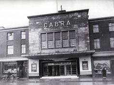 On 17 April 1949, the Cabra Grand Cinema on Quarry Road was formally opened. The Lord Mayor of Dublin, John Breen, opened the 1,600 seat cinema by cutting a tricolour ribbon with a pair of gold scissors.