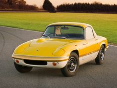 Photographs of the 1965 Lotus Elan Coupe. An image gallery of the 1965 Lotus Elan Lotus Auto, Classic Sports Cars, Classic Cars, Norfolk, Gto Car, Lotus Elan, Classic Car Restoration, Ac Cobra, E Type