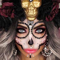Amazing Halloween Makeup Ideas to Delight And Terrify Your Friends ★ See more: https://makeupjournal.com/amazing-halloween-makeup-ideas/ #nails