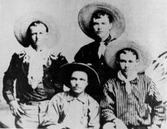 Billy Clanton (tall man in back row) Wild West Outlaws, Old West Photos, Western Photo, Cowboy Pictures, Creepy Photos, Cowboys And Indians, Native American History, Mountain Man, Historical Pictures