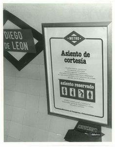 Vintage Ads, San Bernardo, Barcelona, Reserved Seating, Metro Station, Time Travel, Antique Photos, Father, White People