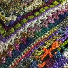 Midnight crocheting on my stitch sampler shawlette  #oneofakindyarns #örgü #colortherapy #crochetastherapy #craftastherapy #bhooked #ilovecolor #crochê #crochet #crochetart #crocheting #crochetshawl #crochetaddict #crochetlove #crochetcurator #crochetclothing #crochetconcupiscence #elisi #elemeği #ganchillo #haken #hækle #häkeln #heklesjal #hekle_inspo #capturethecrochet #virka #virkkaus #virkning #vintagecrochet by plasie3