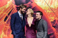 Pin for Later: Wer war Best Dressed bei der Hunger Games Premiere in Berlin? Josh Hutcherson, Liam Hemsworth und Jennifer Lawrence