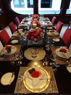 Table Decor From the 2nd Annual Perfect Setting Tabletop Challenge (2009) presented each year by #Yacht Next at the Fort Lauderdale Boat Show. 1stu2026 & Table Decor: From the 2nd Annual Perfect Setting Tabletop Challenge ...