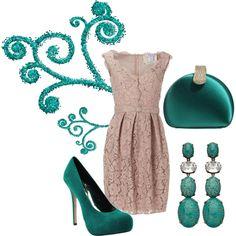 Elegant: Cream and turquoise bridesmaids
