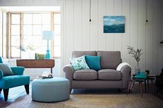 The Lounge Co. Chloe 2 Seater Sofa in Cotton Linen Weave - Bunny Nose #theloungeco #lounge #livingroom #countrycottage #countryside #countrycharm #casualclassics #farmhousestyle #sofa #neutralsofa #classicsofa