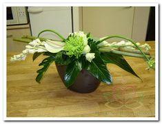 bloemschikken groen met wit www.goedkoop-bloemschikken.nl | Flickr