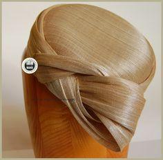 Tocado Pillbox En sinamay de seda Lazadas de la parte posterior pilicose.blgspot.com.es